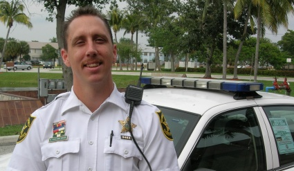 BSO Deputy Wades into the Intracoastal to Help Injured Girl